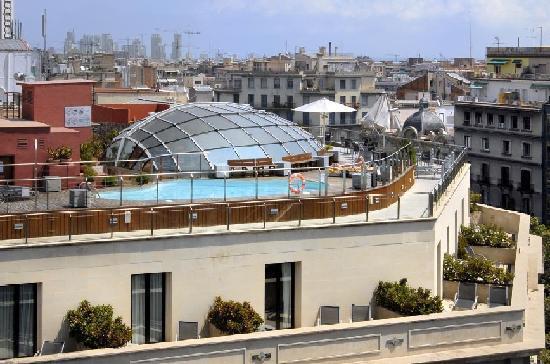 Silken Gran Hotel Havana: PISCINA Y ZONA TERRAZAS HOTEL