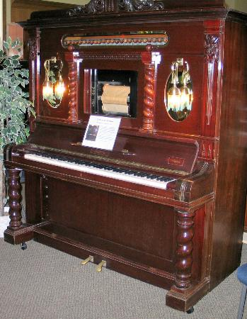 Revelstoke Nickelodeon Museum : Absolutely beautiful player piano!