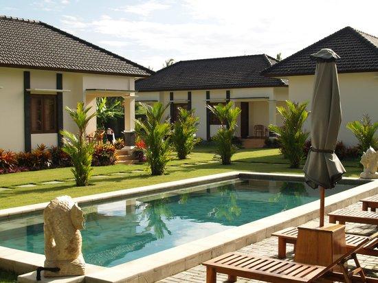Kuta Paradise Restaurant & Accommodation