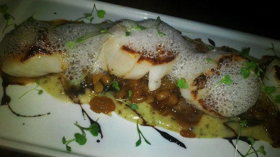 Luna Sur: The Scallops at Pier 9.... delicious!
