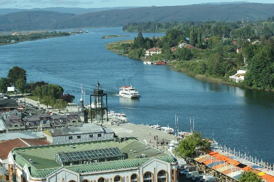 Hotel Dreams Valdivia: view to the river from the room