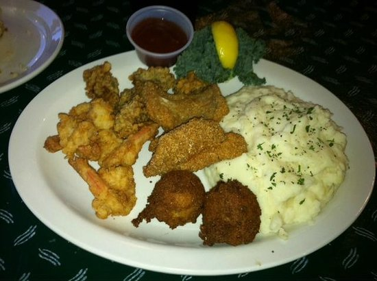 On The River Restaurant: Fried Oyster, Shrimp and Fish was the best