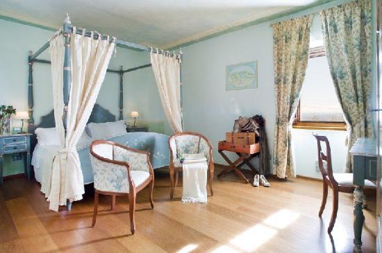 Aia Mattonata Relais: Superior room Il Girasole