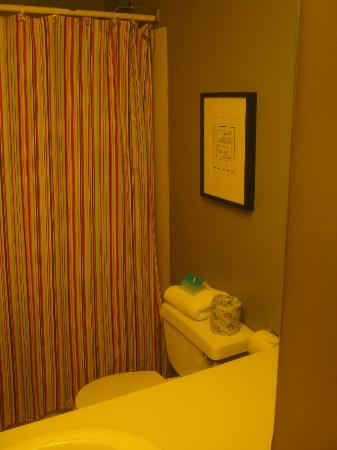 Sandy Cove Inn: Bathroom