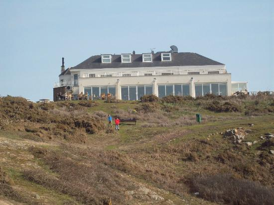 Corbiere Phare : Restaurant seen from near the lighthouse