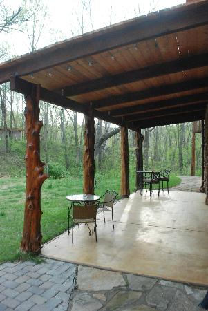 Makanda Inn & Cottages: rear porch
