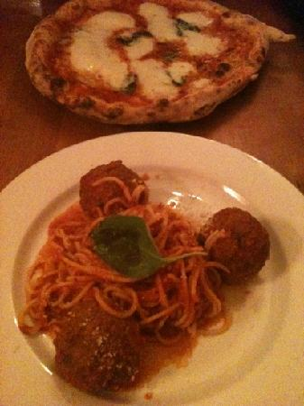 Posillipo: margarita pizza, meatballs & spaghetti