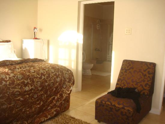 Retreat Guesthouse Luxury Suites 사진
