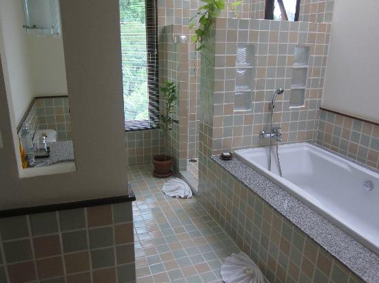 Rising Sun Residence : Bathroom