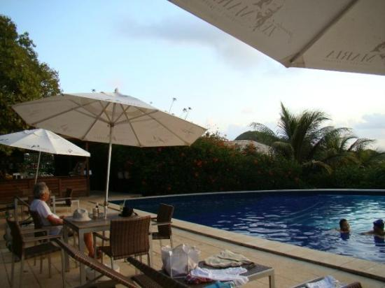 Pousada Ze Maria : drinks by the pool