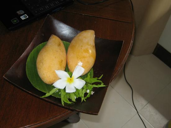 رايزينج صن ريزيدانس: Fresh fruits are served every day