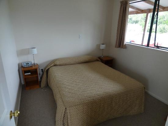 Rainforest Motel: Schlafzimmer