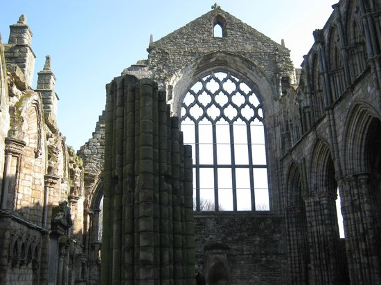 Palace of Holyroodhouse: Abbey ruins
