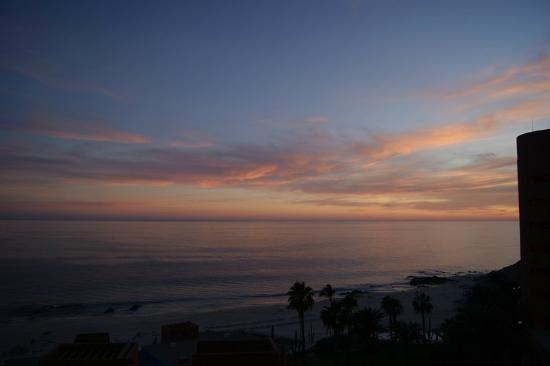 Club Regina Los Cabos: sunset from balcony of our upper level room
