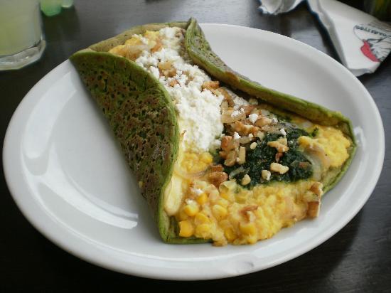 Carlitos - Rey del Panqueque: masa de espinaca, con choclo, ricota, cebolla nuez y espinaca