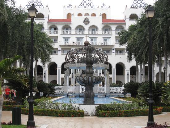 ريو جاليسكو أول إنكلوسيف: hotel