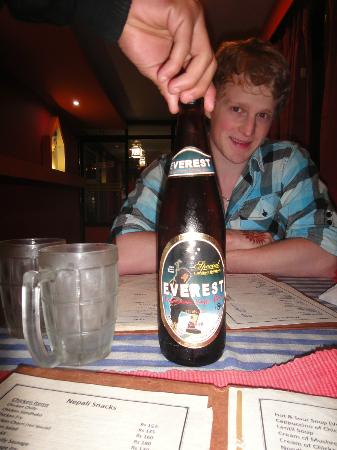 Yeti Cafe Restaurant and Bar : Our first 'Everest' Beer :D