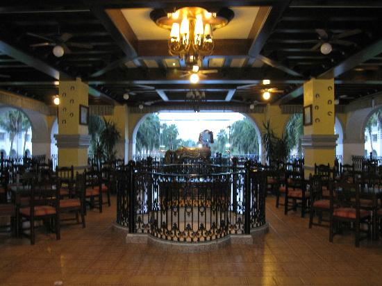 ClubHotel RIU Jalisco: upstairs bar