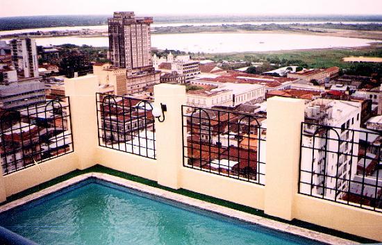 Hotel Mandu'ara: vista de Asunción desde la terraza del Manduara