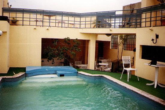 Hotel Mandu'ara: piscina en la etrraza