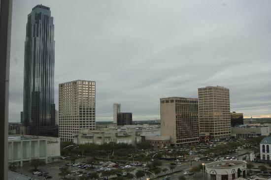 Sheraton Suites Houston Near The Galleria: View of Galleria from room