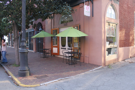 Smooth Cafe : The front of the cafe.