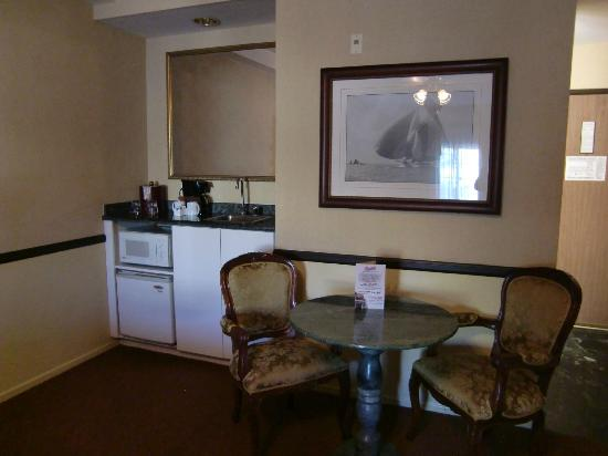 Ayres Suites Ontario Mills Mall: Wet bar
