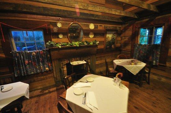 Homestead On 19th: Dining room