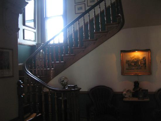 Architect's Inn - George Champlin Mason House: Staircase