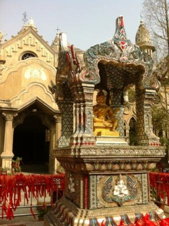 Gude Temple of Hankou: Many religions in harmony