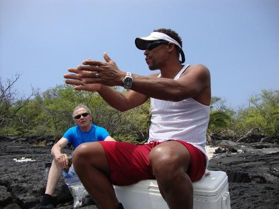 Hawaii Pack and Paddle Day Tours: Barry giving more history during lunch