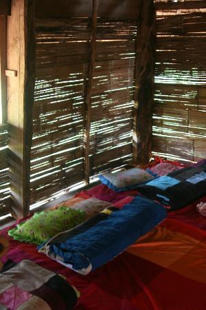 Akhajulyah Guesthouse: inside hut