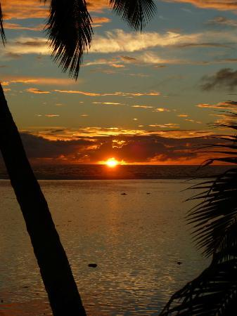 Sunhaven Beach Bungalows: The sunset from Sunhaven