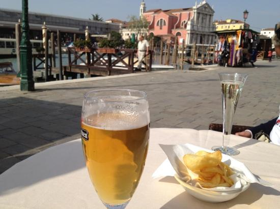 Hotel Carlton on the Grand Canal: having a cool beer outside hotel