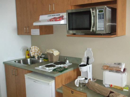 Hotel Les Suites Labelle: Equipement de la cuisine,
