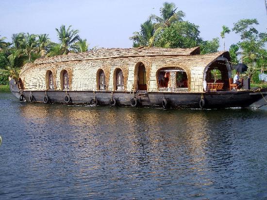 Emerald Isle - The Heritage Villa: Backwater