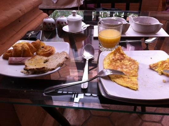 Le Pavillon de l'Emyrne: Frühstück im Le Pavillon ...