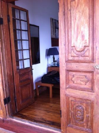 Le Pavillon de l'Emyrne: Blick vom Wintergarten ins Zimmer