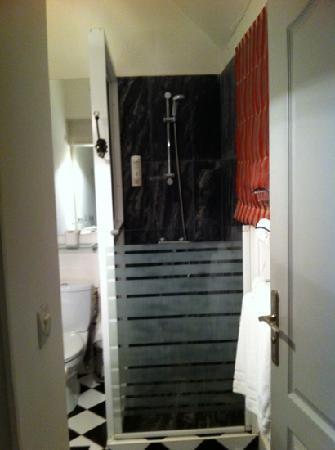 Le Pavillon de l'Emyrne: Bad Zimmer 3