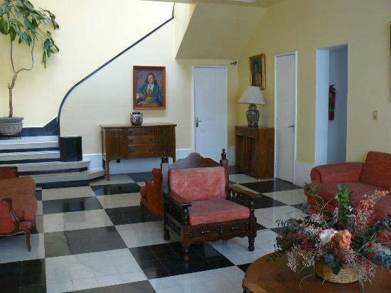 Hotel Casa Gonzalez: Entry to our building