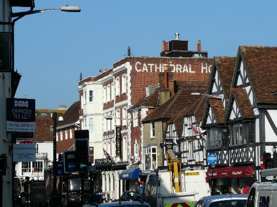The Cathedral Hotel: Street view of the hotel