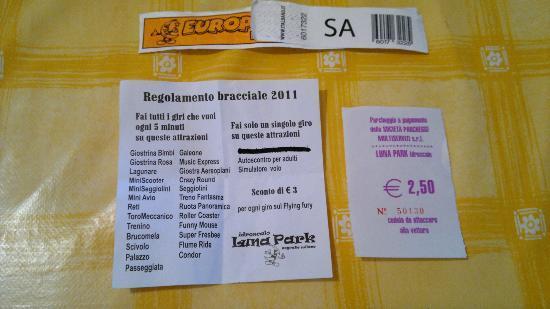 Segrate, Italy: braccialetto + attrazioni + parcheggio