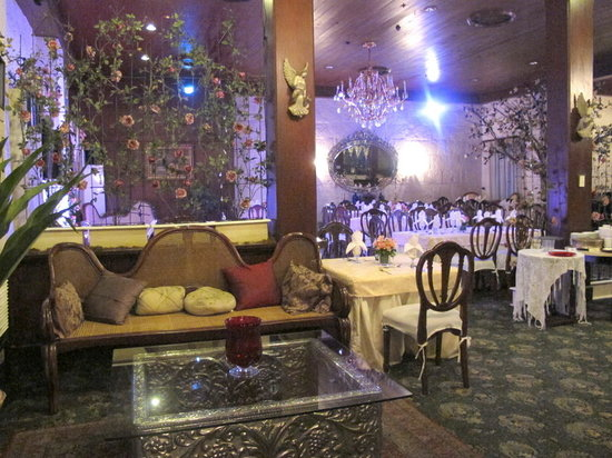 Barbara's: Vintage furnishings