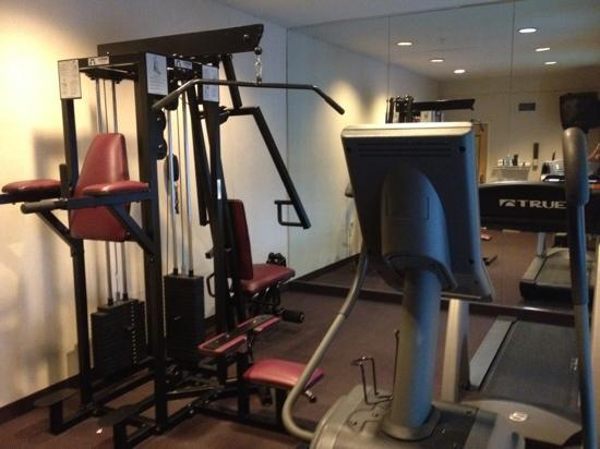 Sleep Inn & Suites Edgewood Near Aberdeen Proving Grounds: small basic fitness center...