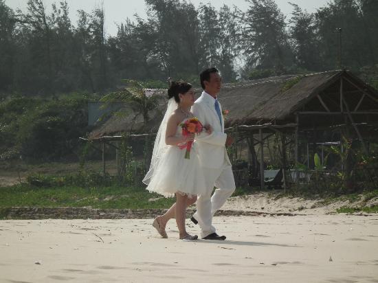 VietStar Resort & Spa: We saw a wedding by the beach..