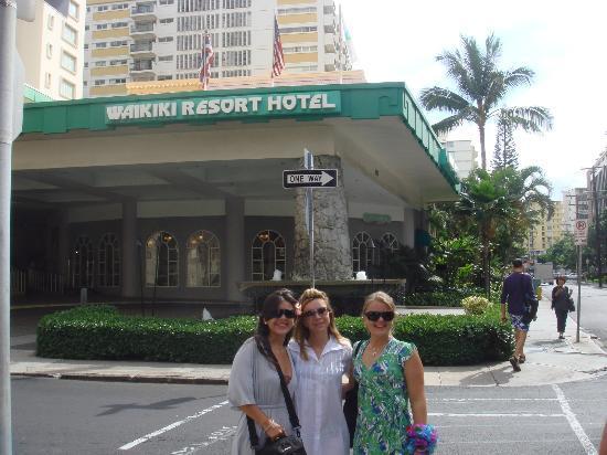 Waikiki Resort Hotel: Entrada Principal