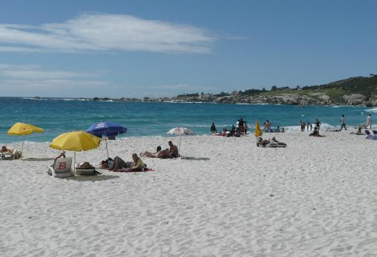Camp's Bay Beach: beach of campsbay