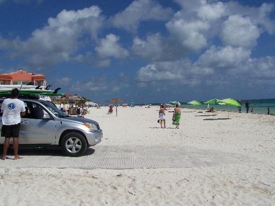 Puerto Morelos Charters : Belle plage