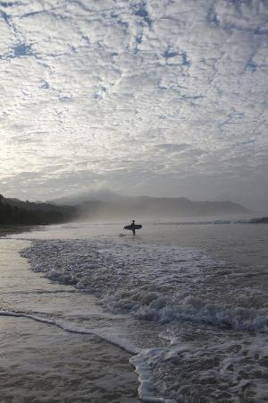 Pachamama Tropical Garden Lodge: Early morning surf at Playa Hermosa