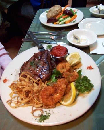 Farmhouse Restaurant: Pan fried steak and shrimp